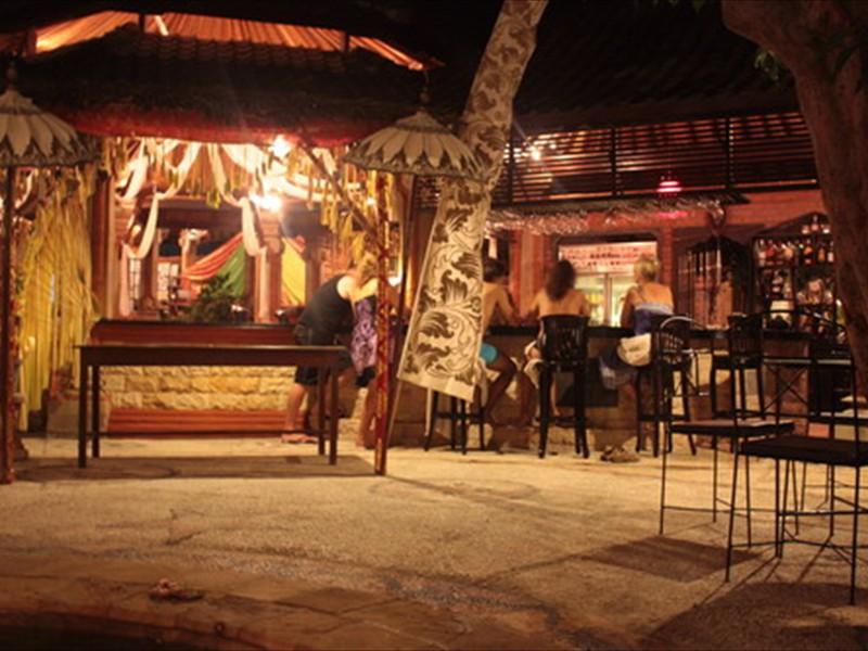 Bar night sm